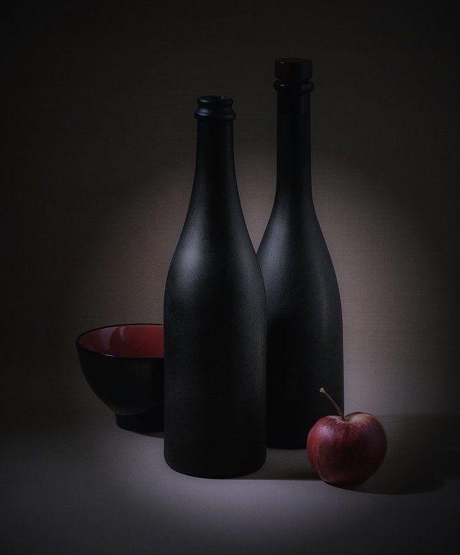 яблоко, бутылки красное яблокоphoto preview