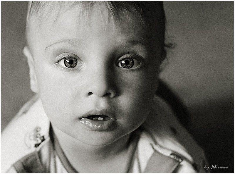 малыш, дитя, маленький, мальчуган, мальчик, кроха, глаза, ребенок, миша Мишкаphoto preview