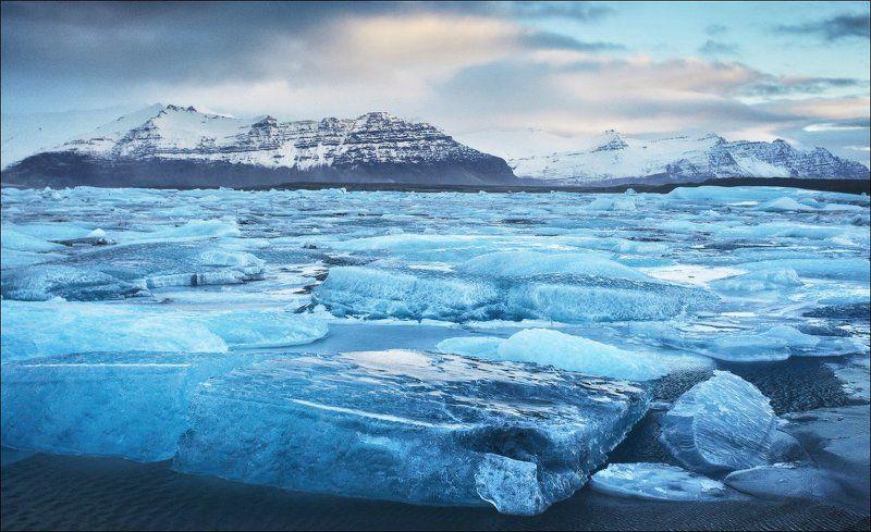 Исландия Йёкюльсаурлоун Jokulsarlon ледяная лагуна ледник Исландия. Йёкюльсаурлоун (Jokulsarlon).photo preview