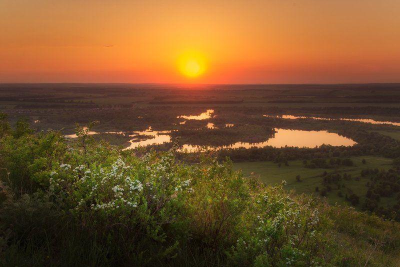 Южный Урал, Шиханы, Юрактау Закат на вершине шихана Юрактауphoto preview
