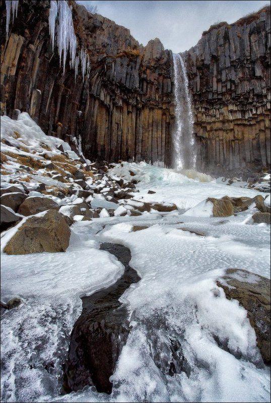 Исландия Iceland Svartifoss водопад зима снег лед базальт колонны Исландия. Водопад Свартифосс (Svartifoss).photo preview