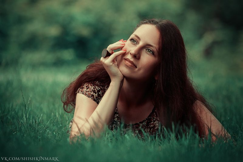 красота, девушка, портрет, глаза, волосы, трава Мое вдохновениеphoto preview