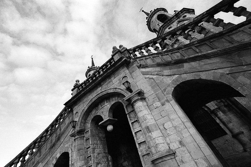 псевдоготика, церковь, архитектура, готика, пленка Gothicphoto preview