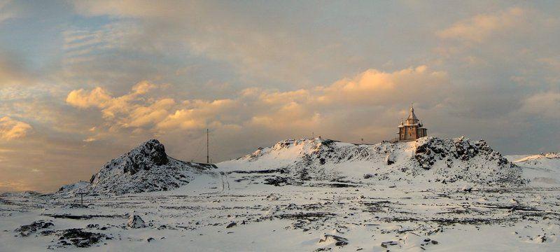 храм святой троици, антарктика, беллинсгаузен А из нашего окошка...photo preview