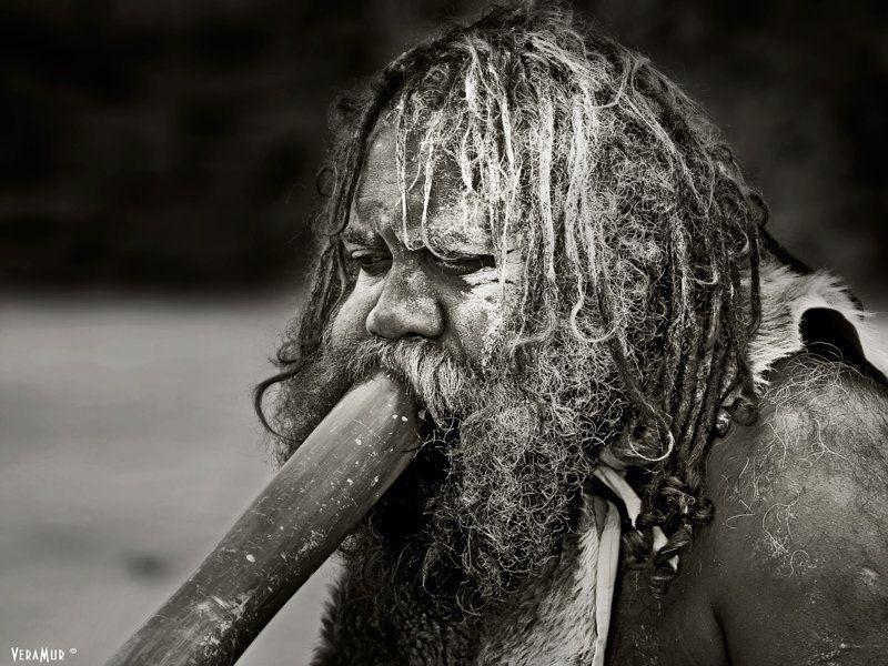 австралия, абориген, портрет, мужчина, дудка Титульная нацияphoto preview