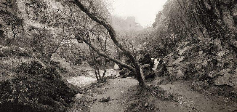 горы, ущелье, водопады, скалы, туман, утро Дыхание утраphoto preview