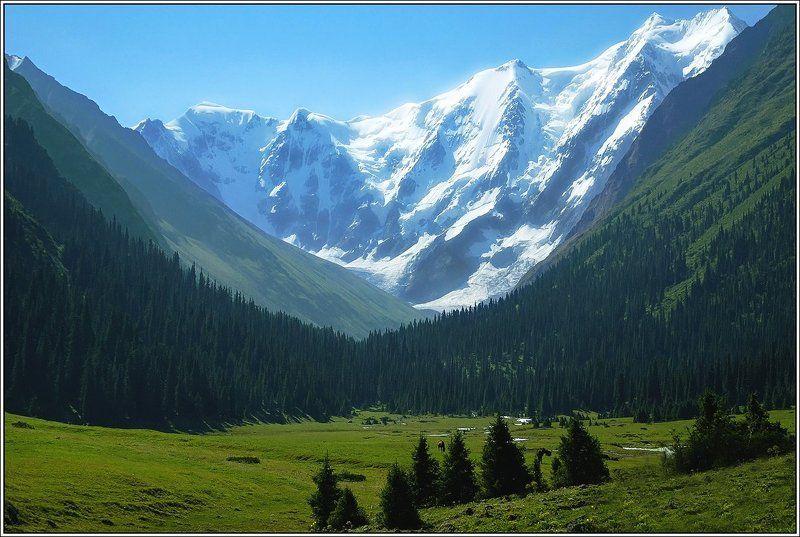 терскей, киргизия, джеты-огуз Как вечным огнем сверкает днемphoto preview