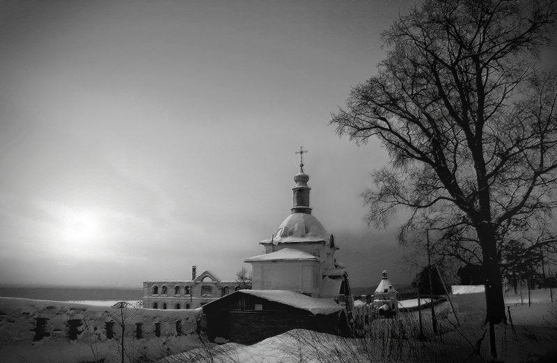 Коми Ночь в Ульяновском монастыре.photo preview
