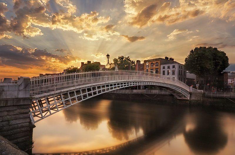 Dublin, Sunset, Water Ha\'penny Bridgephoto preview
