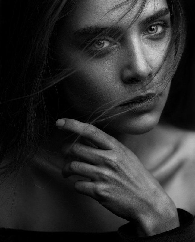 portrait,gir,hair,look,eyes,shine,light,retouch,lighting,photography,bnw,blackandwhite, Freephoto preview