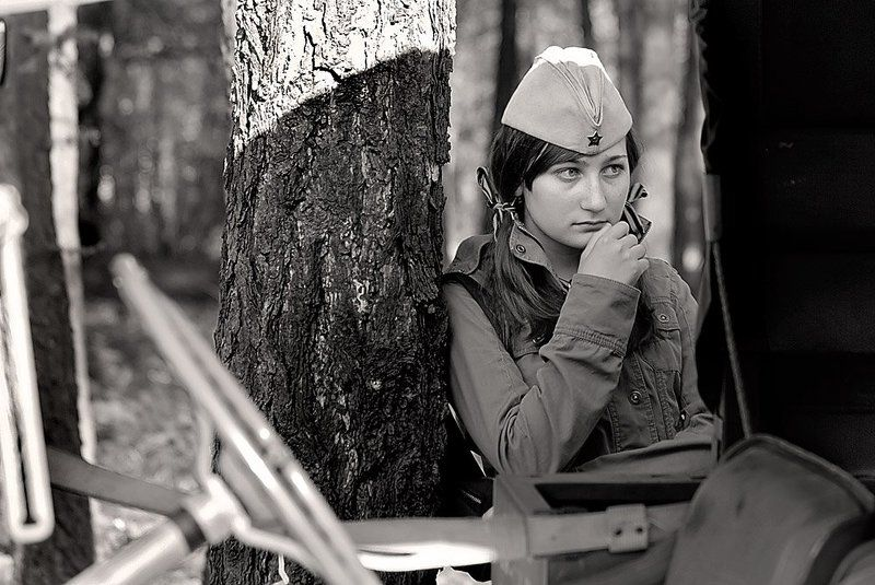 девушка, деньпобеды, 65, лет Такая юная.. Такая хорошая. Будто глядит из далёкого прошлого.. (снимок 2009 года)photo preview