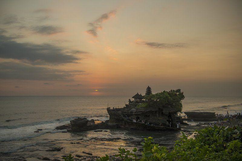 Океан, закат, религия, бали Храм Танах Лотphoto preview