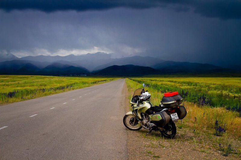 путешествие, мотоцикл, Казахстан, оз. Кольсай, горы, луг, дождь, дорога, Honda, Transalp, 650, Дианов, triptoeast, biker, Dianov Дорогой в дождьphoto preview