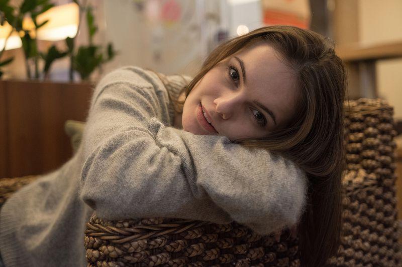 девушка, красивая девушка, портрет, кафе Сабинаphoto preview