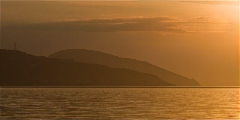 медведь-гора, аю-даг, крым, украина, рассвет, море Спящий Медведьphoto preview