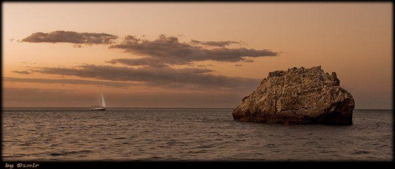 украина, крым, скала, яхта, рассвет, море, облака Персиковый рассветphoto preview