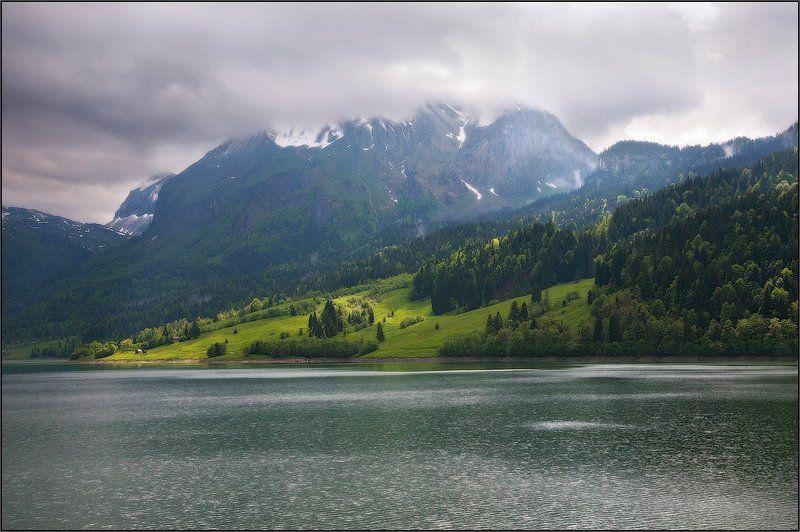 Прогулка вдоль озераphoto preview