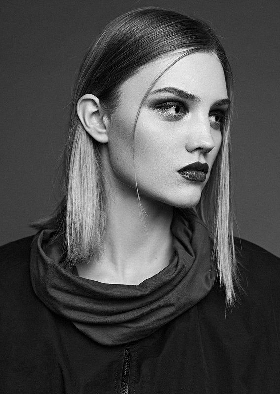 Model: Dasha Viryasova,Masha Touchphoto preview