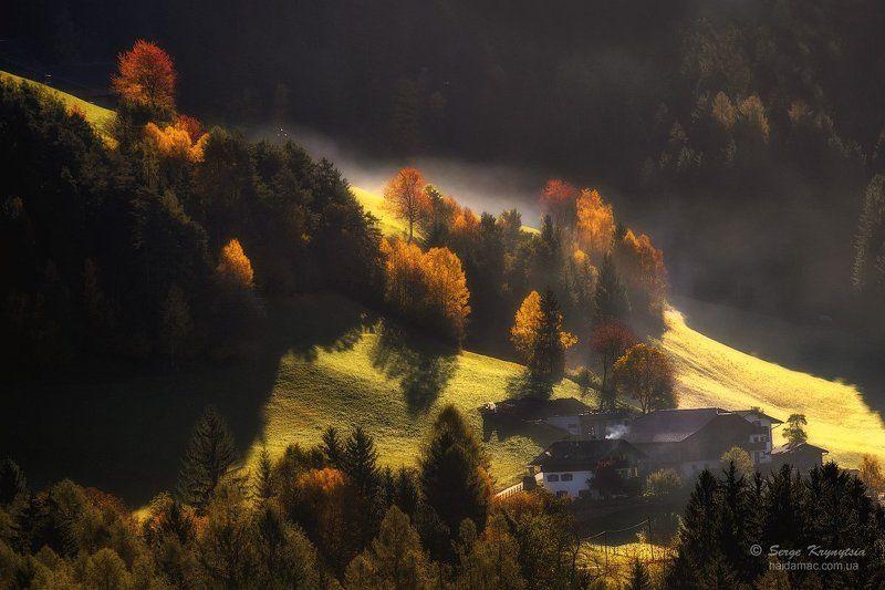 dolomiti, autumn, light, red, yellow, sunlit, mountains Mountains. Autumn. Lightphoto preview