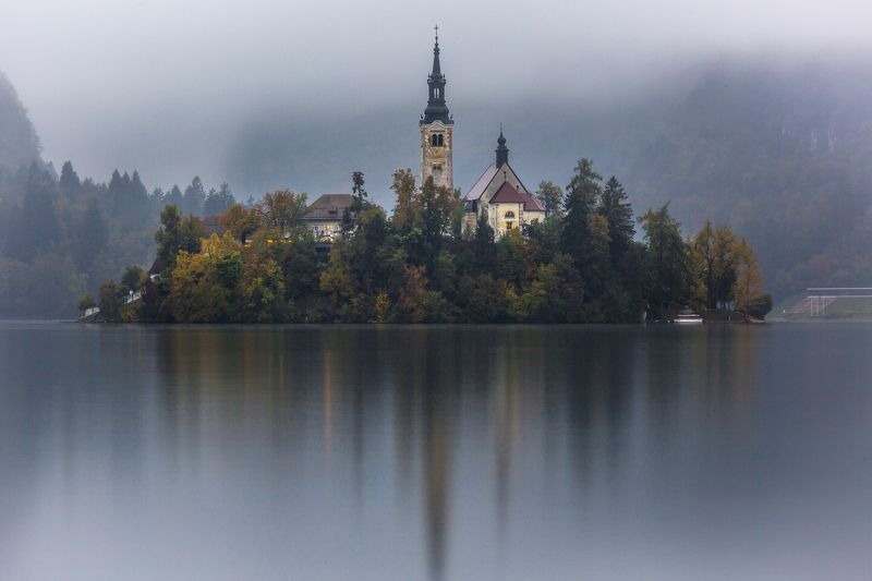 озеро Autumn In Bledphoto preview