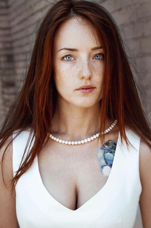 женский портрет, тату, лицо, рыжая, веснушки, взгляд, девушки Ольгаphoto preview