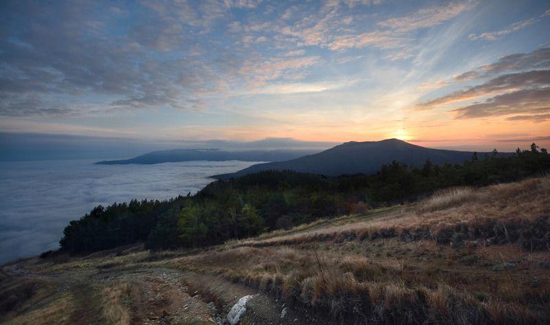 крым, демирджи, чатырдаг, закат Дороги в облакаphoto preview