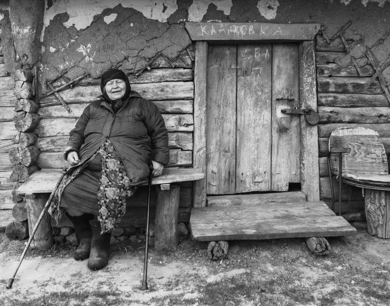 портрет, человек, люди, женщина, старость, дом, село, деревня, провинция, пенза, шемышейка, мачим Кладовкаphoto preview