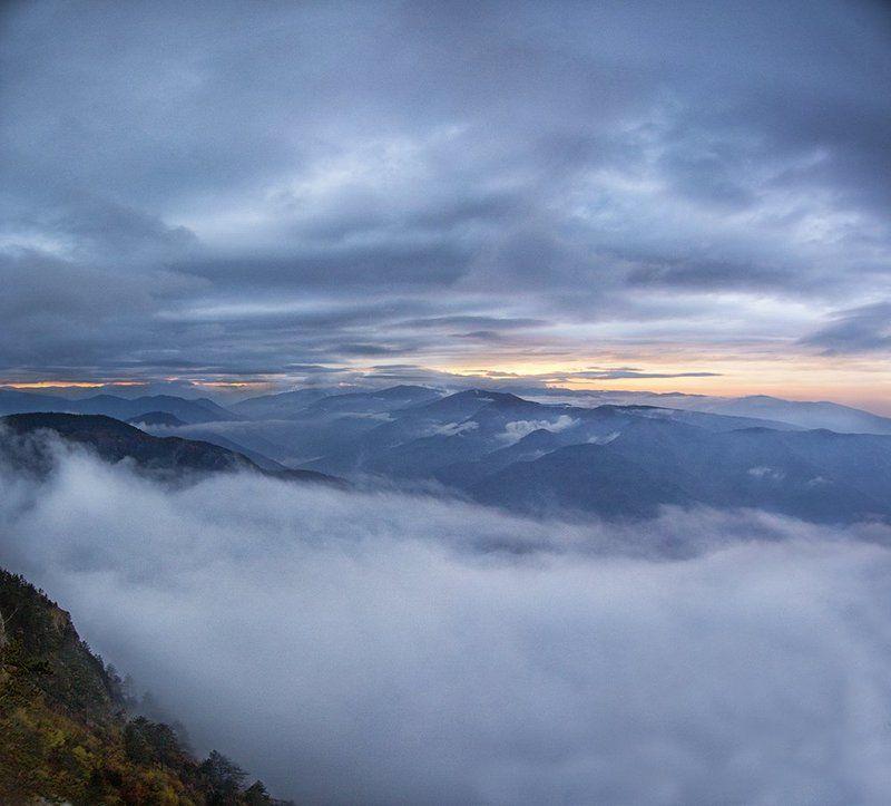 #landscape #sunset #Bulgaria #beauty #5dmark3 #canon #photograph  Sunset above the autumn fogphoto preview