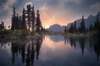 Вечер на озере Лазурном