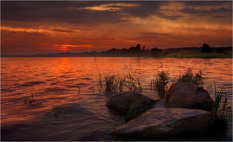 О позднем, послегрозовом закате на Невеphoto preview
