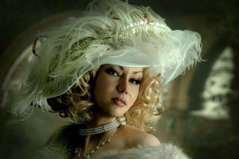 Портрет молодой дамы в слегка романтическом флёре...photo preview