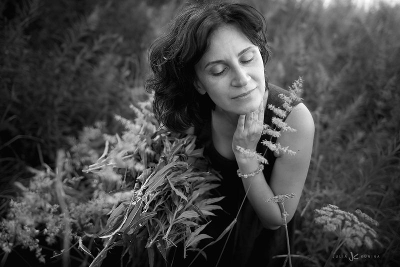 женский портрет, фотопрогулка Травы луговыеphoto preview