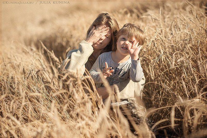 семейная фотография, фото-прогулка золотые колоскиphoto preview