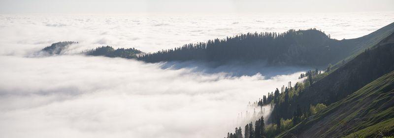 Абхазия горы и облакаphoto preview