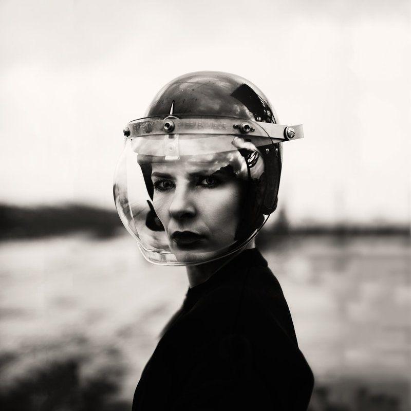 helmet, b&w, untitledphoto preview