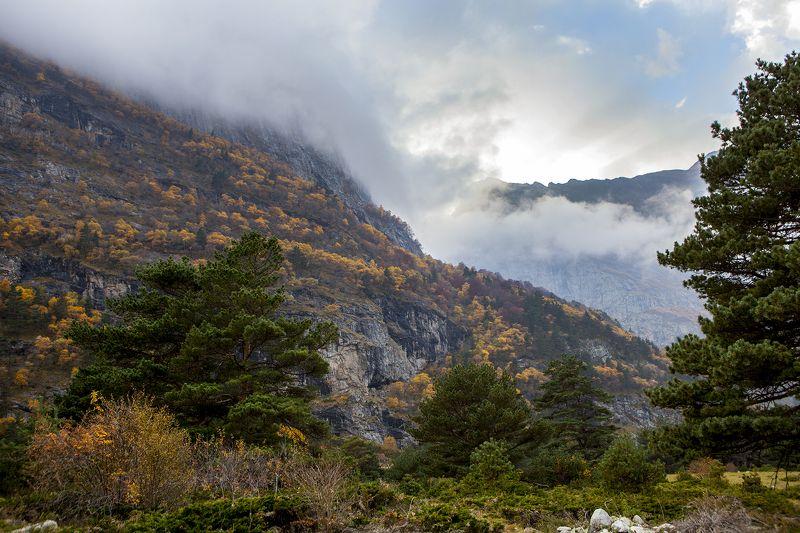 кавказ, горы, ущелье, облака, осень Hidden in clouds...photo preview