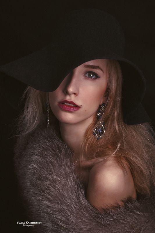 Карина, шляпа, чернобурка, лиса, черный Каринаphoto preview