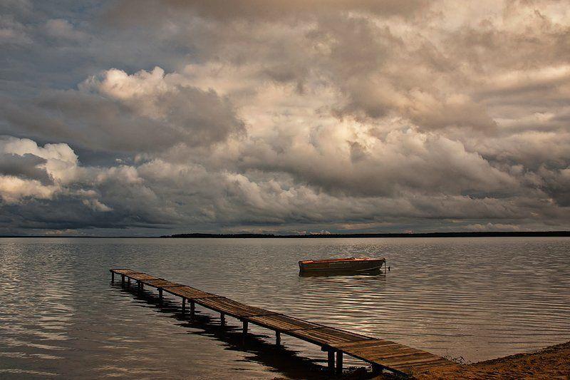 пейзаж, озеро, мостик, затишье В ожидании грозыphoto preview
