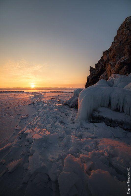 байкал, малое море, зима, снег, лед, рассвет, солнце Рассвет у острова Борга-Даганphoto preview