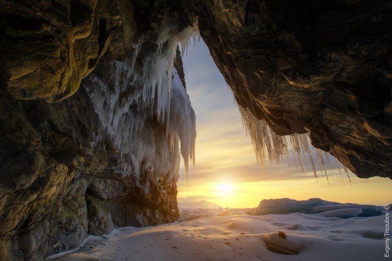 байкал, грот, закат, снег, льдины, зима Солнечный гротphoto preview