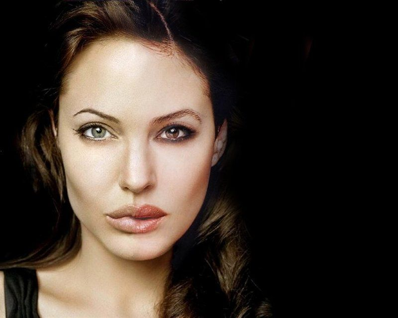 Анджелина Джоли, Моника белуччи Stars fading/Angelica Bellulie or Monena Jolucciphoto preview