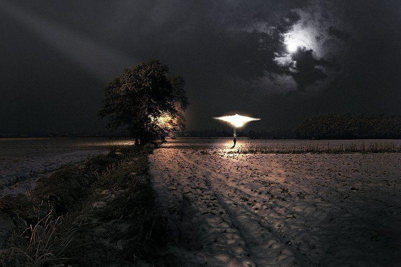 wake,mood,they,night,field,sony,light,time,alone, Incontri Ravvicinati ©photo preview
