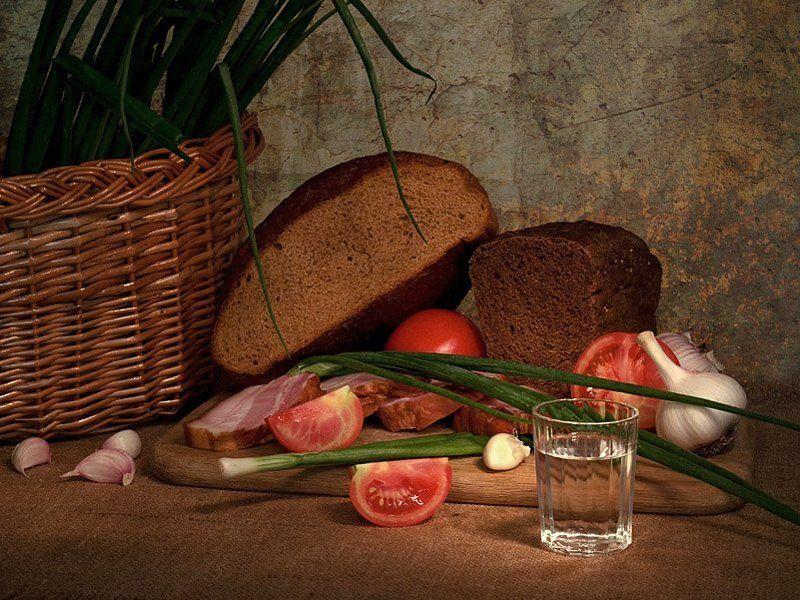 funtry, композиция, корзина, лук, натюрморт, овощи, помидоры, сало, световая кисть, сто грамм, хлеб, чеснок Простецкая еда и выпивкаphoto preview