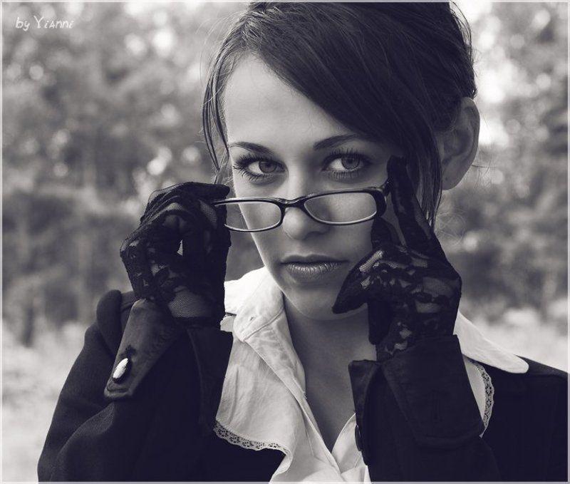 девушка, строгость, портрет Строгостьphoto preview