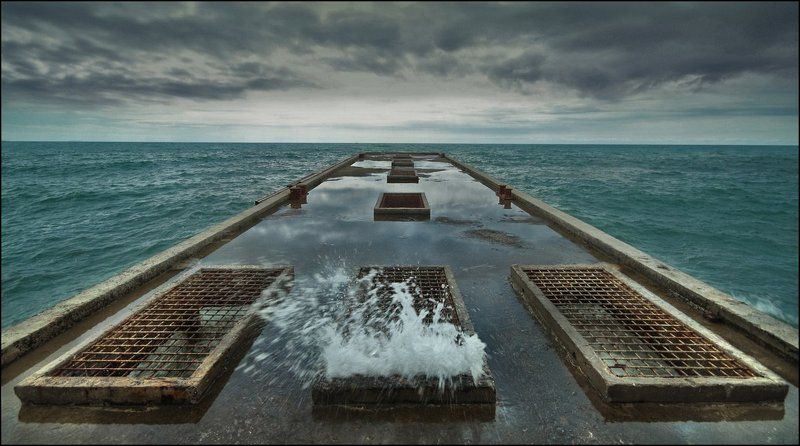 море, пирс, волна, тучи, ветер Море волнуетсяphoto preview