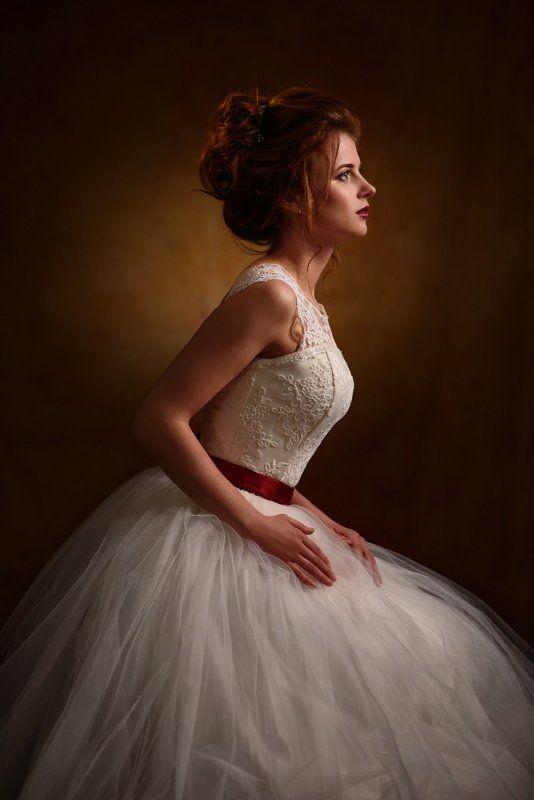девушка, студия, свет, тень, взгляд, рыжая, платье, свадьба, невеста ***photo preview
