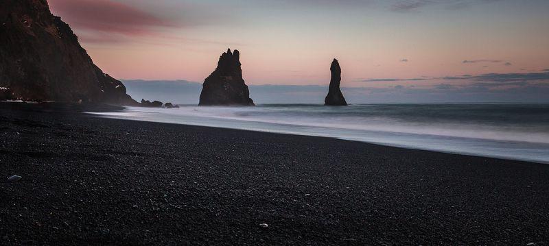 черный, песок, пляж, скалы Чёрный пляжphoto preview