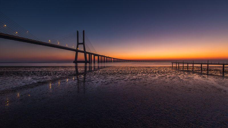 мост, рассвет Vasco da Gamaphoto preview