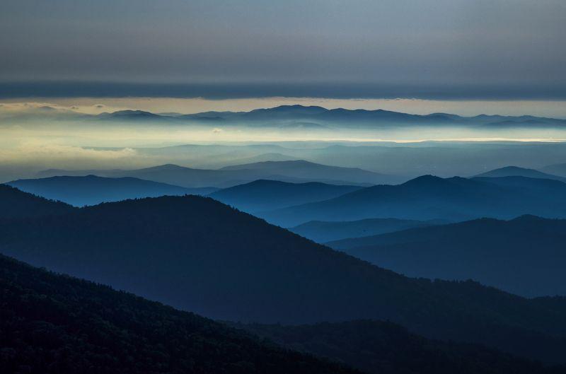 Горы, рассвет, Приморье, Приморский край Голубые далиphoto preview