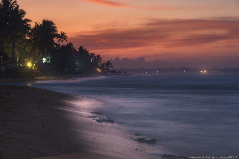 ланка, шри, пляж, хиккадува, океан, небо, тропический, вода, море, природа, пальма, пейзаж,  дерево, побережье, песок, путешествия, остров, красивый, отпуск, лето, рай, туризм, кокос,  солнечный, курорт, рассвет, день, закат, спокойный, живописный, спокой Шри Ланка. Хиккадува. Ланкийский рассветphoto preview